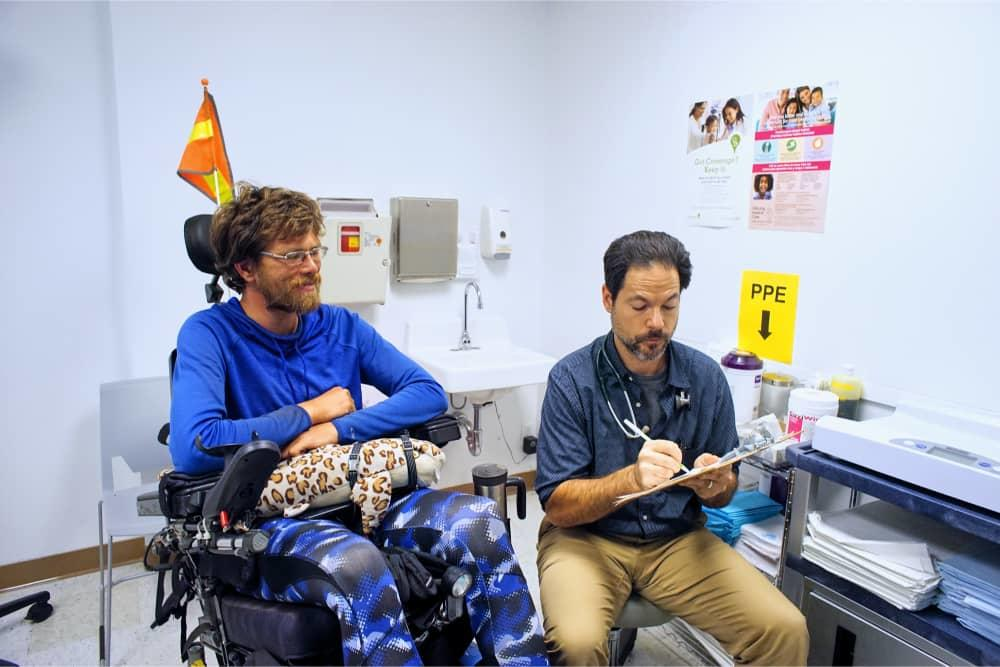 Provider assists patient at LifeLong Immediate/Urgent Care - Berkeley